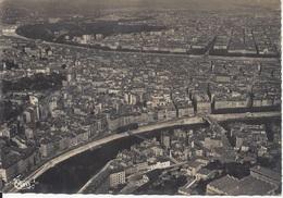 CPSM  France  69  Rhône  Lyon  Vue Panoramique  Dans Le Fond, Le Parc De La Tête D'Or Et Villeurbanne - Lyon