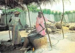 Afrique  TOGO  Fabrication Artisanale De L'huile De Palme (timbre Stamp REPUBLIQUE TOGOLAISE)  (photo SEDZROcolor) - Togo