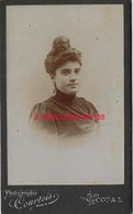 CDV Femme Au Chignon-photo Courtois à Cognac - Anciennes (Av. 1900)