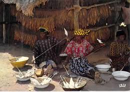 Afrique En Couleurs FILAGE DU COTON  (Ciché CHARETON 8236)  *PRIX FIXE - Cartes Postales