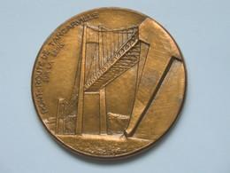 Très Belle Médaille -PONT-ROUTE DE TANCARVILLE SUR LA SEINE - Graveur J.H.COËFFIN   **** EN ACHAT IMMEDIAT  **** - Professionnels / De Société