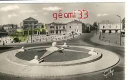 CPSM.La Roche Sur Yon .Rond Point Des Cinq Boules Et Rue Des Sables .ed GABY Num:38 - La Roche Sur Yon