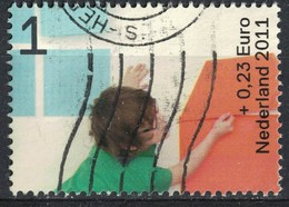 Pays Bas 2011 Oblitéré Used Enfants Jouant Construisant Une Maison Ensemble - Period 1980-... (Beatrix)