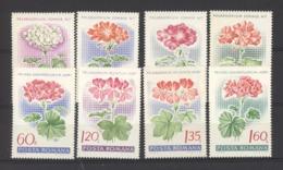 Roumanie  :  Yv  2389-96  **    Fleur - Flower - 1948-.... Républiques