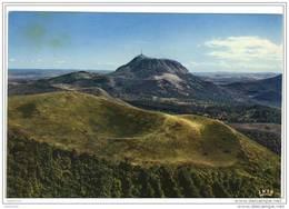CPM Auvergne.le Puy De Come.ed:la Cigogne.num:63.263.90 - France