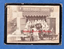 Photo Ancienne - NONTRON ( Dordogne ) - La Boucherie Aubin - SUPERBE - Beau Portrait De La Famille Du Boucher - TOP - Anciennes (Av. 1900)