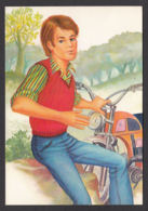 93862/ ILLUSTRATION, Jeune Homme Avec Une Moto, *Week-end* - Illustratori & Fotografie