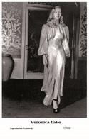 VERONICA LAKE - Film Star Pin Up PHOTO POSTCARD- Publisher Swiftsure 2000 (27/200) - Postales