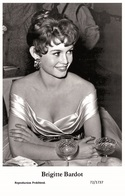 BRIGITTE BARDOT - Film Star Pin Up PHOTO POSTCARD- Publisher Swiftsure 2000 (72/1737) - Postales
