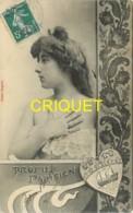 Femmes, Profil Parisien, Jeune Femme Dans Un Décor Art-Nouveau Et Blason De Paris - Femmes