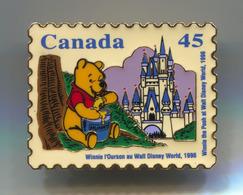 Winnie The Pooh At Walt Disney World, Pin, Badge, Abzeichen, D 40 X 35 Mm - Disney