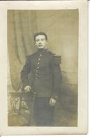 Carte Photo , Un Soldat Du 90° Régiment Infanterie , Non Située - Uniformes