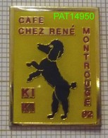 CAFE DE MONTROUGE 92  CHEZ RENE & KIKI LE CHIEN CANICHE NOIR - Villes