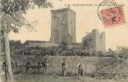 - Vienne - Ref-A419- Montcontour - Le Donjon ( Nord Ouest ) - Attelage Cheval - Attelages - - Frankreich