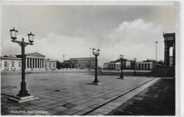 AK 0105  München - Königsplatz Um 1938 - München