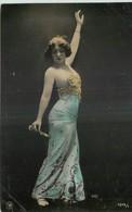 CARTE PHOTO NPG REUTLINGER FEMME ELEGANTE PORTANT BUSTIER PERLES DANSANT - Femmes