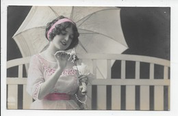 Pretty Girl With Parasol And Flower - Postcards