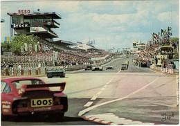 72 . LE MANS . CIRCUIT DES 24 HEURES . TRIBUNES ET STAND DE RAVITAILLEMENT  VUS DU VIRAGE FORD - Jipé 22 - Le Mans