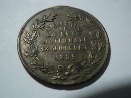 MEDAILLE SOUVENIR DE LA FETE NATIONALE 14 JUILLET 1885 REPUBLIQUE FRANCAISE. METAL - Francia
