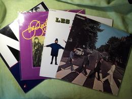 LOT DE QUATRE 33 TOURS BEATLES. 1963 / 1981 PATHE MARCONI T 2 C 062 04243 / B 2 C 064 04257 / POLYDOR 2489 545 / ODEON - Vinyl Records
