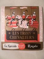 étiquette Ancienne Brasserie De Kerinou   LES TROIS CHEVALIERS  La Spéciale Royale - Bière