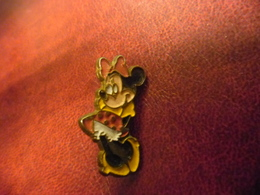 PIN'S DISNEY MINNIE (amie De Mickey) @ 27 Mm X 12 Mm - Disney
