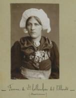 """Coiffes Traditionnelles . 2 Photos : """"Femme De St-Collomban-des-Villards (Maurienne)"""" + """"Femme De Montaimon"""". Circa 1890 - Ancianas (antes De 1900)"""