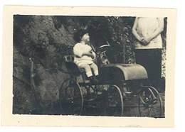 Photo Enfant & Sa Voiture à Pédale ?   ( PH ) - Personnes Anonymes