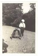 Photo Enfant & Sa Voiture à Pédale ( Eureka ? )   ( PH ) - Personnes Anonymes
