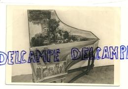 Instrument De Musique: Clavecin Italien Construit Par G.B. Boni En 1619. Musée Instrumental. Clavecimbel.Photo Véritable - Musées