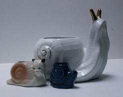 3 Vide-poches Escargot Céramique - Grand Blanc Et Doré, Moyen Rose, Petit Beu-vert - Autres Collections