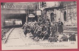 PARIS--GREVE DES CHEMINOTS DU NORD  ( 1910 ) Surveillance De La Voie Ferree Par La Troupe Aux Abords... - Grèves
