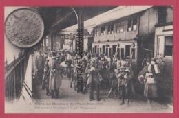 PARIS--GREVE DES CHEMINOTS De L'Ouest-Etat  ( 1910 ) Débarquement Des Troupes A La Gare Montparnasse..... - Grèves