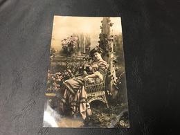 1748 - Demoiselle Sur Chaisecen Osier - 1908 Timbrée - Silhouettes