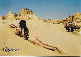 CPSM- Pin-Ups - Algarve- Jeune à La Plage Nudiste. - Pin-Ups