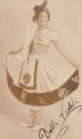 LA BELLA VIOLETA. PHOTO AUTOGRAPHED  CIRCA 1950s ORIGINAL SIZE 12x7cm- BLEUP - Fotos Dedicadas