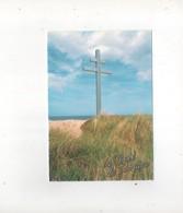 Courseulles Sur Mer  La Croix De Lorraine Symbolise L'endroit Ou Le General De Gaulle A Debarque En 1944 - Courseulles-sur-Mer