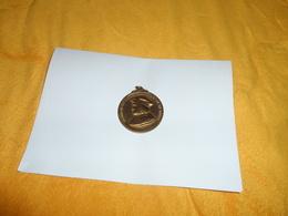 MEDAILLE ERARD DE LA MARCK CARD. PRINC. EV. DE LIEGE. 980 - 1980. LG../ DIAMETRE 50MM. - Belgique
