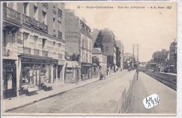 BOIS-COLOMBES- RUE DES AUBEPINES- LE LUTHIER ET MARCHAND DE CARTES-POSTALES AU DESSOUS DU CHIRURGIEN-DENTISTE - Colombes