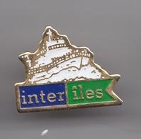 Pin's  Inter Iles  En Charente Maritime Dpt 17 Bateaux Réf 2794 - Steden