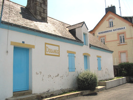 île De GROIX, Bureau Des DOUANES Et GENDARMERIE (faible Tirage, épuisé) Vente Directe X Thème DOUANE - Douane