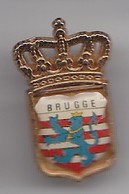 Pin's Ecusson Blason Couronne Brugge Réf  4442 - Städte