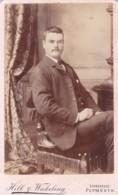 CDV PHOTO -SEATED MAN WITH MOUSTACHE. PLYMOUTH STUDIO - Alte (vor 1900)