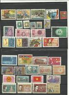 Lot  De  35 Timbres Du Vietnam  Années Diverses. - Timbres