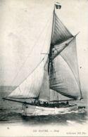N°68044 -cpa Le Havre -sloop- - Voiliers