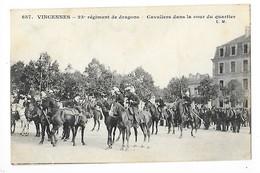 VINCENNES  (cpa 94)  23° Régiment De Dragons - Cavaliers Dans La Cour Du Quartier   -  L 1 - Vincennes
