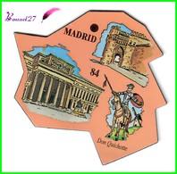 Magnet Le Gaulois Les Ville Du Monde N° 84 MADRID Espagne Don Quichotte - Magnets