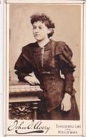 CDV PHOTO - PRETTY LADY. LONDON STUDIOS - Photographs