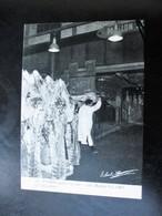 Cpa Photo PARIS Dans La Rue -  Les Halles 9.1.1969 Les Bouchers -   Scene De Rue Et Métier - Sig. R. HAMM - Andere