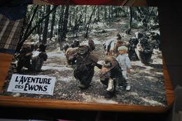 Rare Affichette Film L'aventure Des Ewoks Star Wars 1984 Format 21x30 - Affiches & Posters